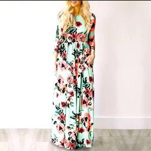 2️⃣2/50 3/4 sleeves floral maxi dress